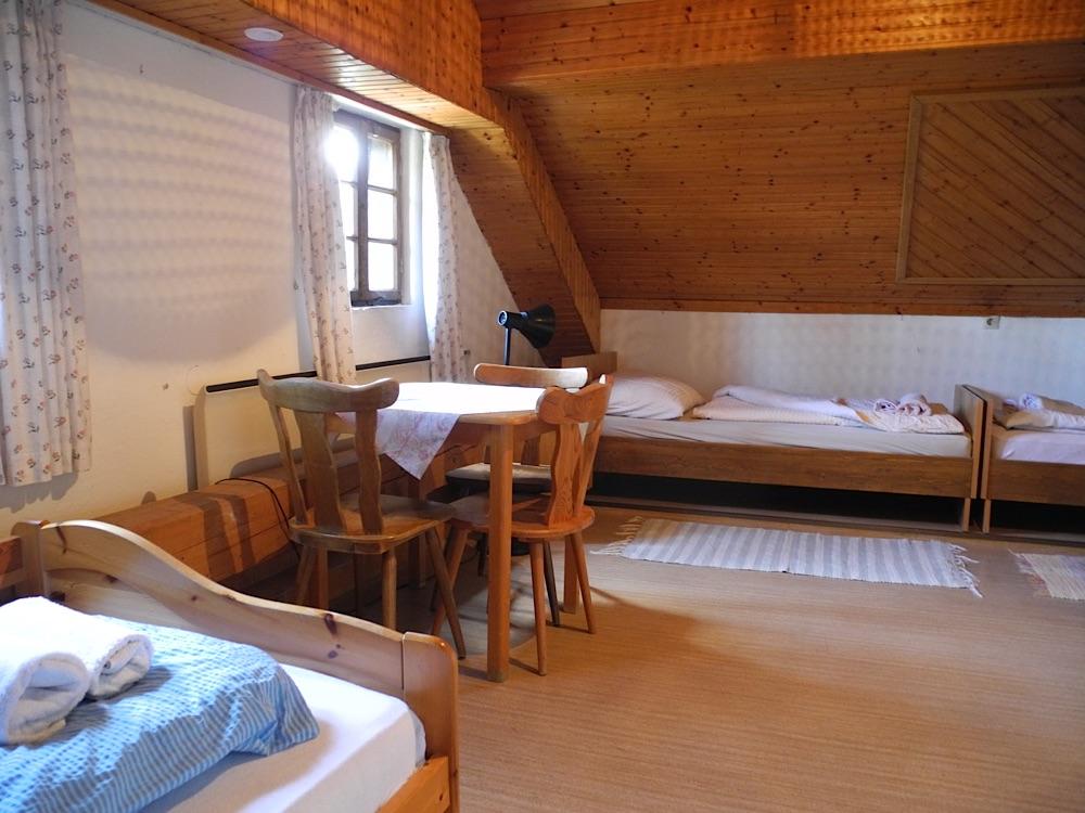 Mansarde 3-Bett-Zimmer 1