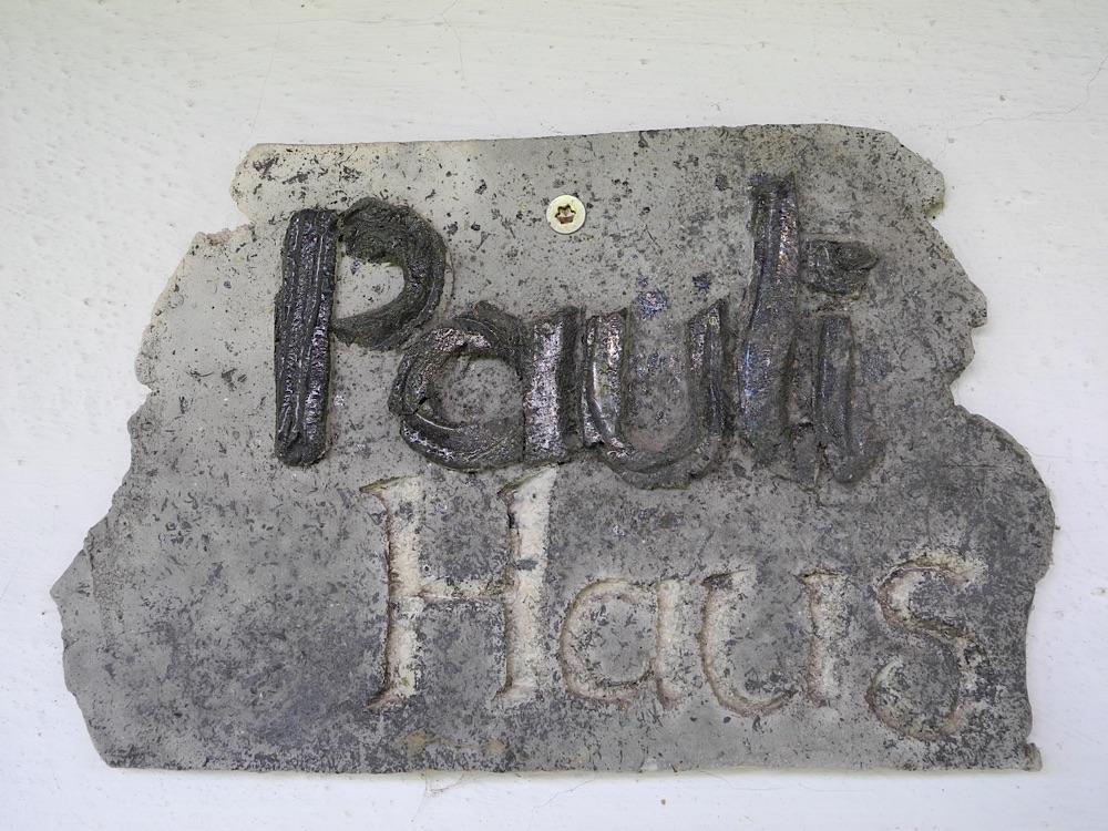 Paulihaus Schild